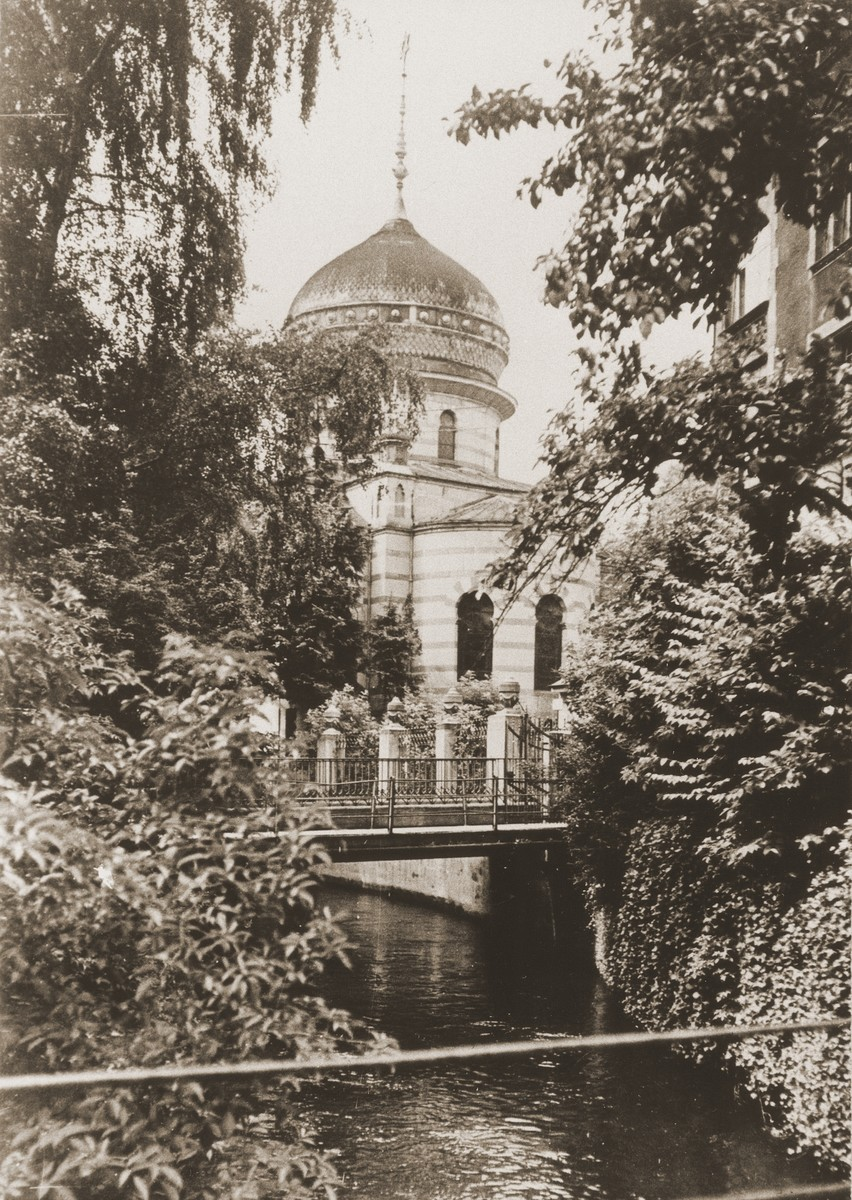 View of the Zerrennerstrasse synagogue in Pforzheim.  The cornerstone for the Zerrennerstrasse synagogue in Pforzheim was laid on June 3, 1891, and the finished building was dedicated on July 27, 1892.