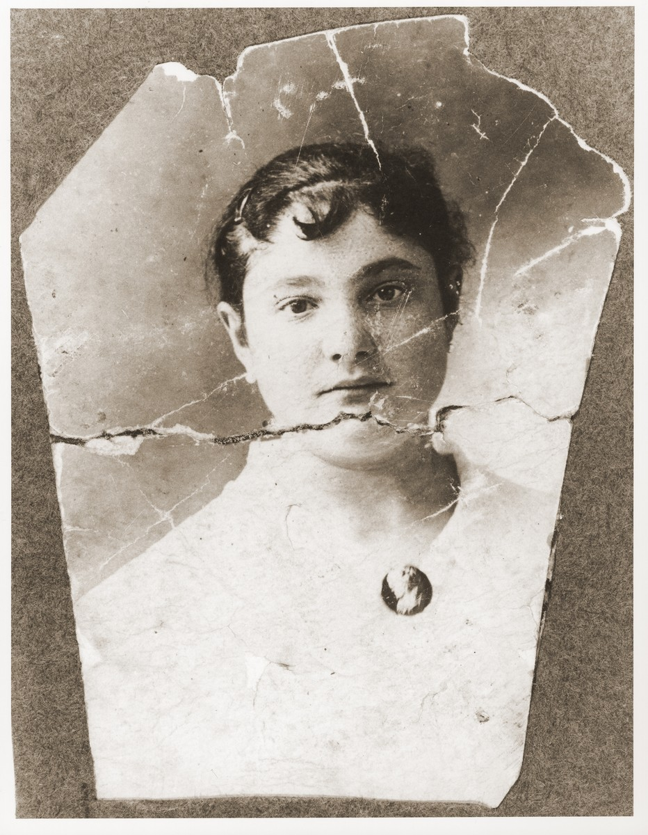 Portrait of Pearl Littman, that was carried by her son, Oskar, throughout World War II.
