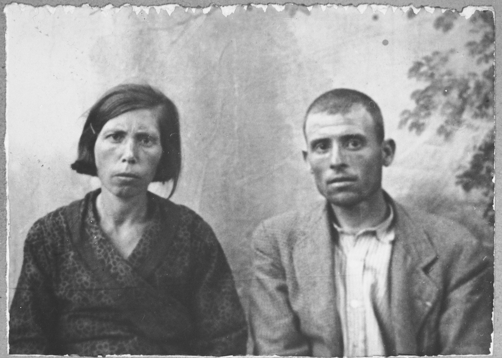 Portrait of Solomon (A.) Kalderon and his wife, Buena.  He was a glazier.  They lived at Mitrovatska 3-5 in Bitola.