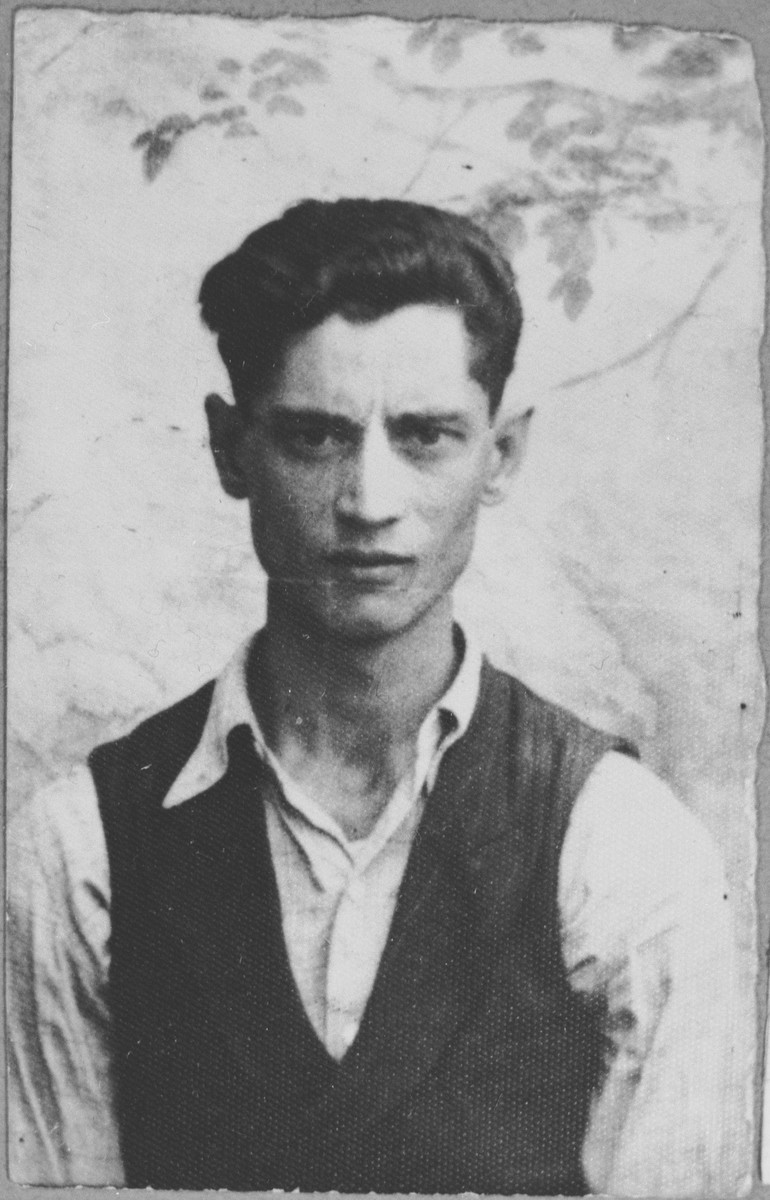Portrait of Zak Kalderon, son of Aron Kalderon.  He was a rag dealer.  He lived at Avramova 62 in Bitola.