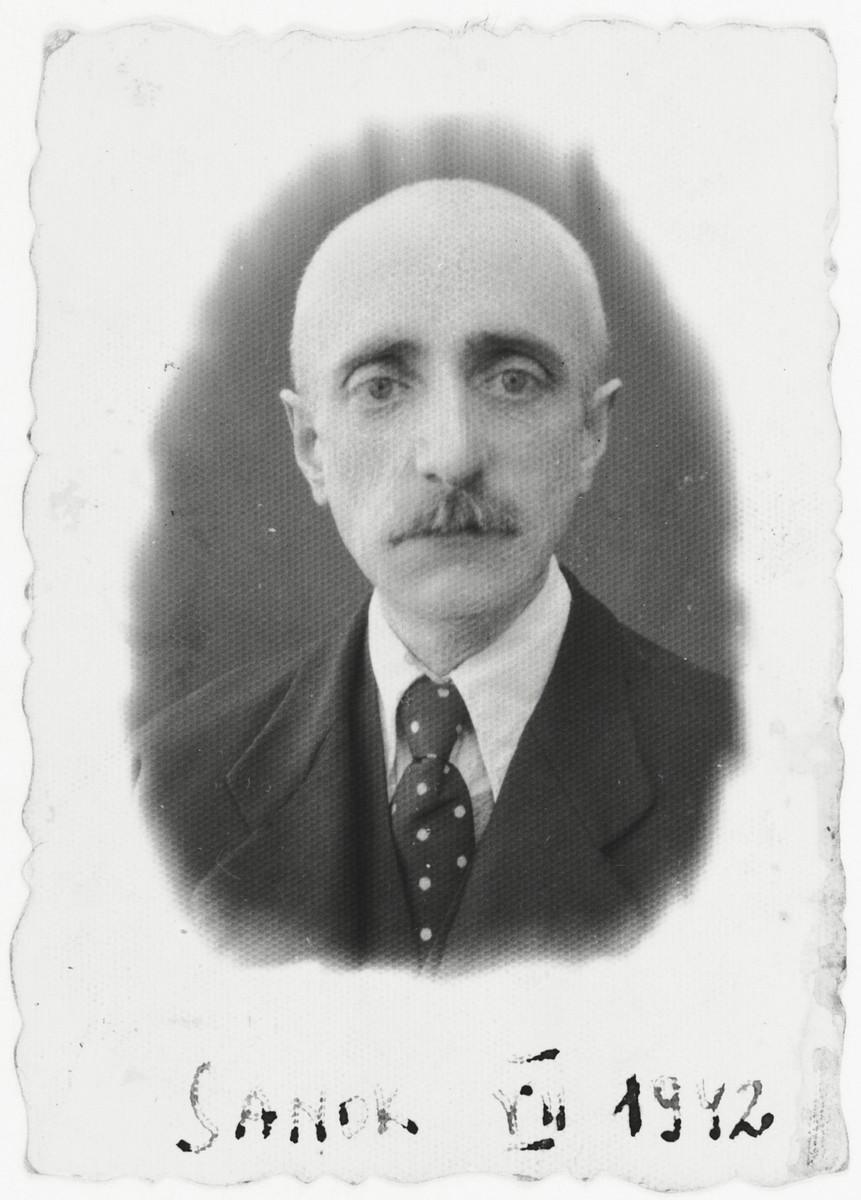 Identification photograph of Rabbi Tuvia Horowitz taken after he shaved his beard.