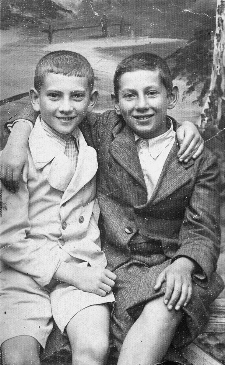 Studio portrait of two Jewish boys.  Pictured are 11-year-old Manius Notowicz (left) and his friend Amiel Gerwurz.