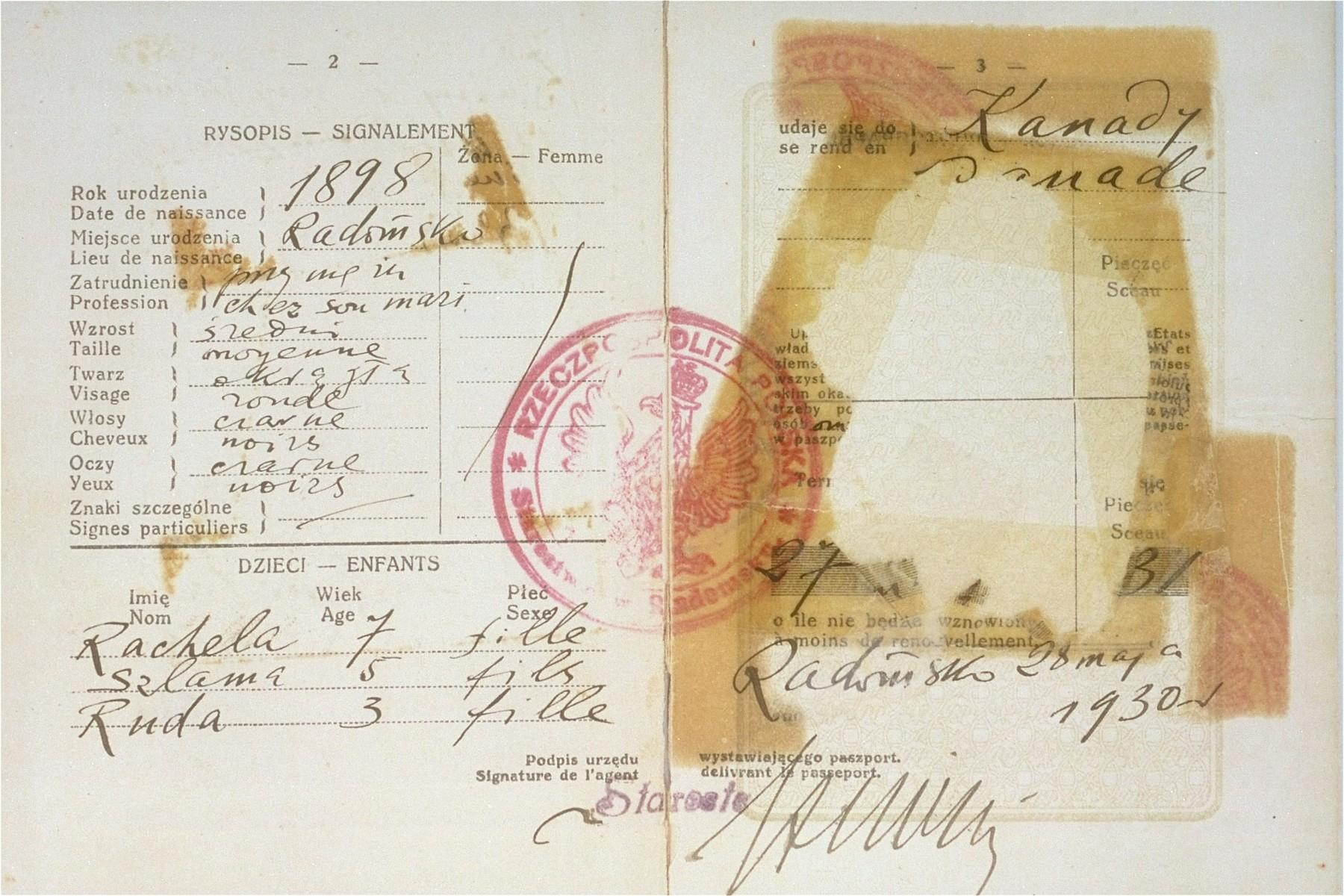 Passport of Frymeta Goldberg.