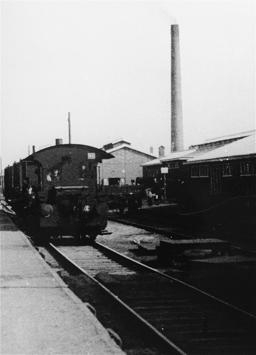 The train station in Westerbork. The smokestack of the new Ketelhuis (boiler house) is visible in the background.