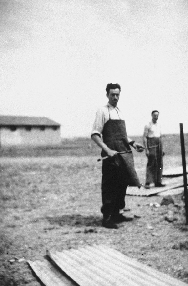 Prisoners at a building site in the Rivesaltes transit camp.