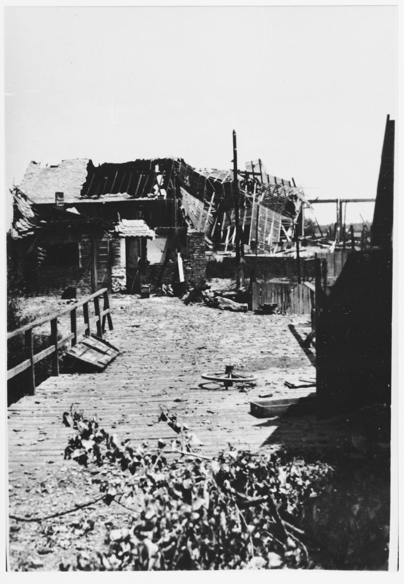 View of a bridge and warehouse in Jasenovac.
