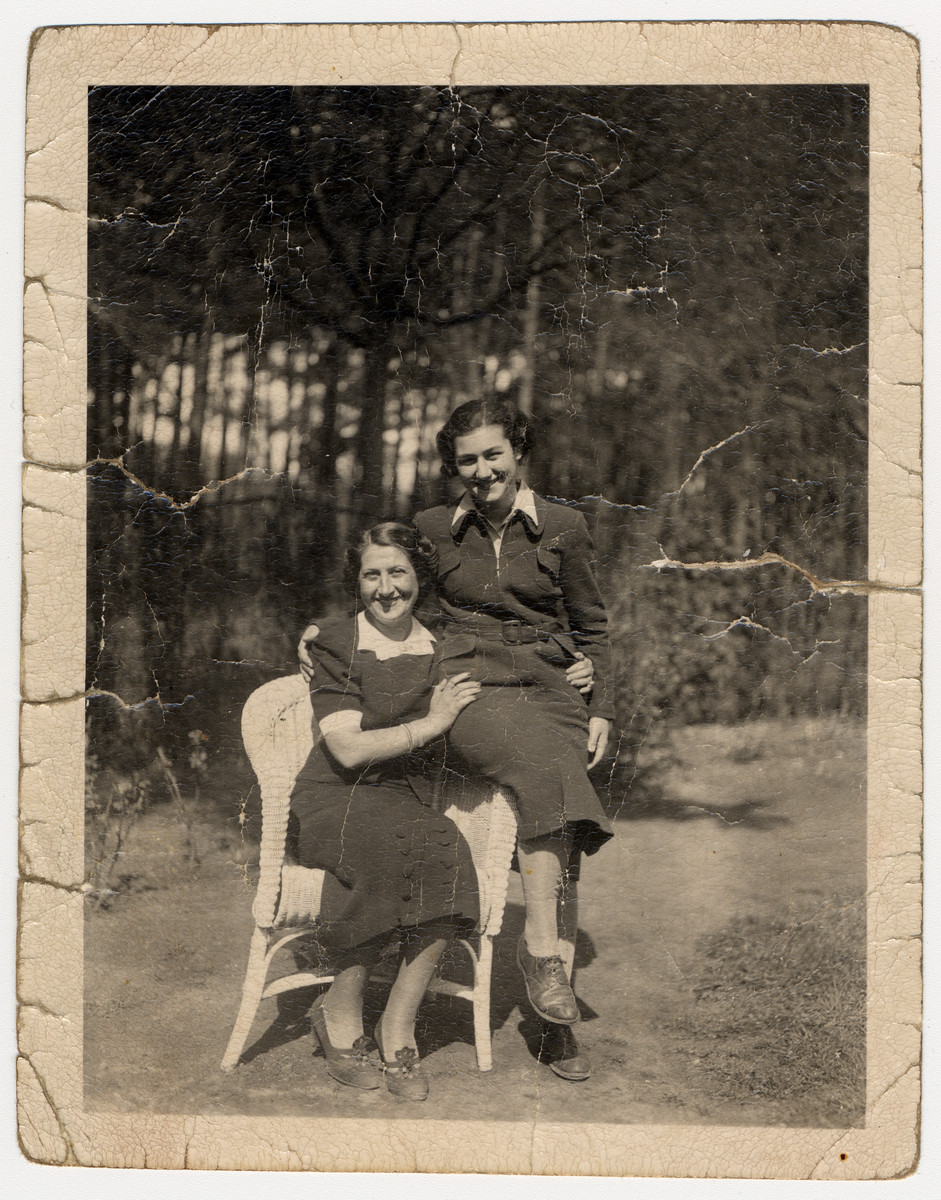 Portrait of a German Jewish mother and daughter taken within a year of the daughter leaving for England on a Kindertransport.  Pictured are Jachet and Marion Sauerbrunn.