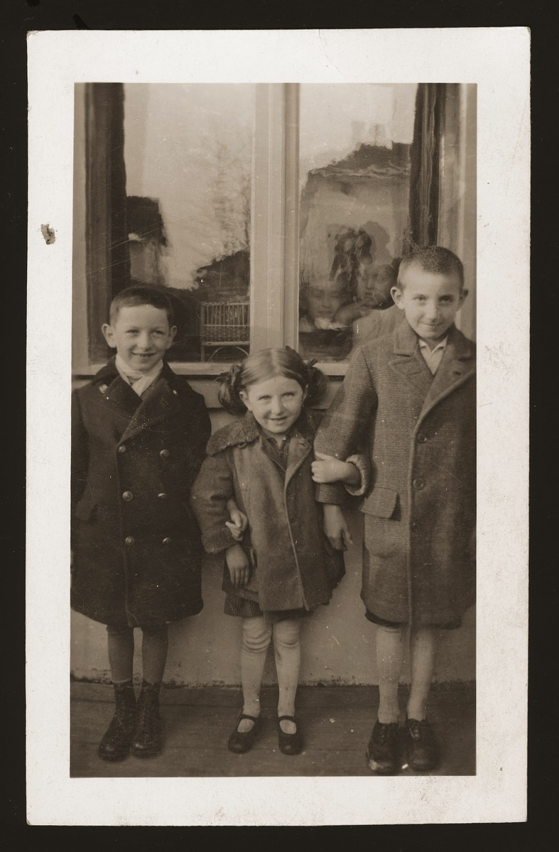 Portrait of cousins Richard Gartenberg and Salus and Tony Schwartz, all of whom later perished in the Holocaust.