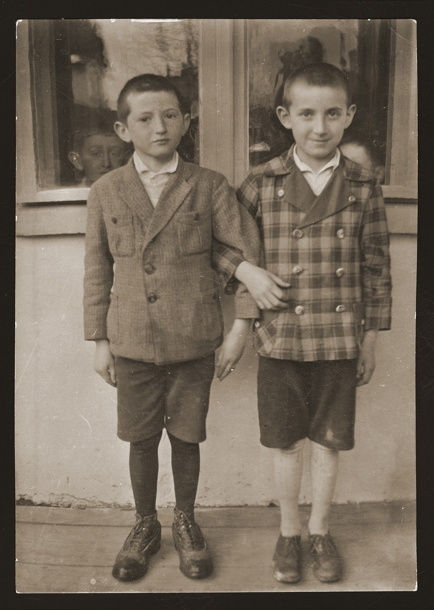 Portrait of cousins Salus Schwartz and Markus Gartenberg.
