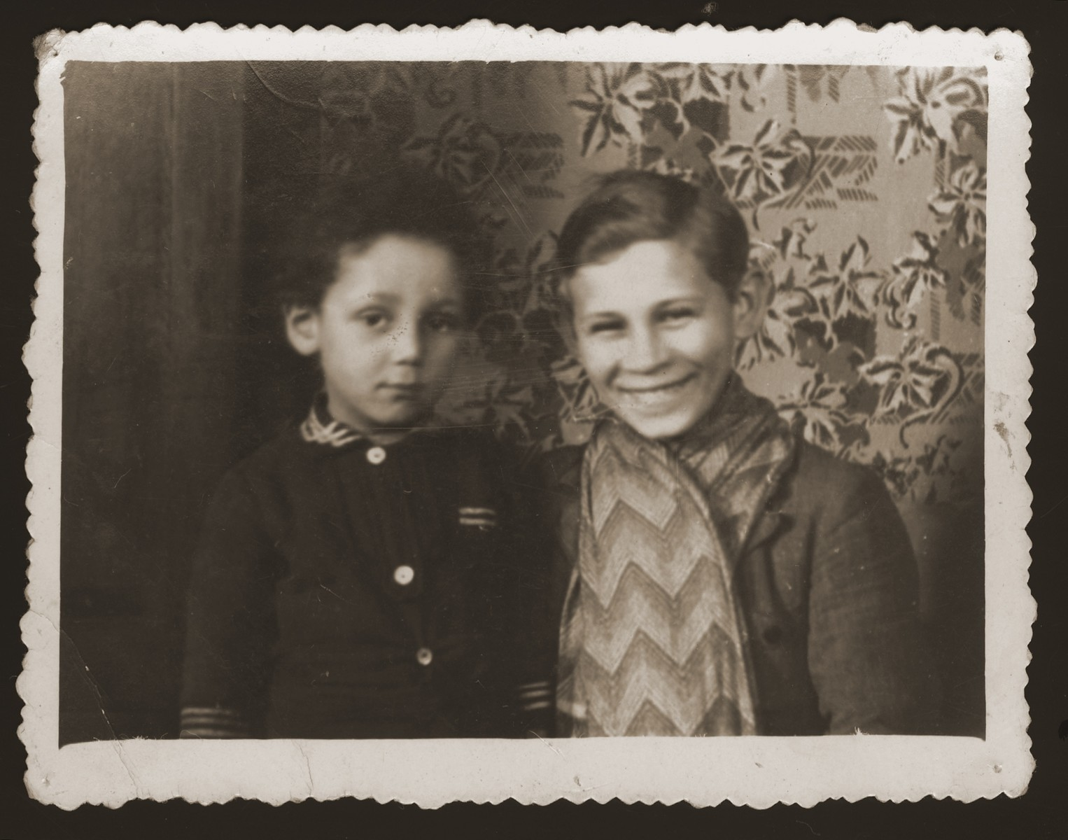 Portrait of two young Jewish boys in Chelm.  Pictured are Mojszale Nissenbaum (left) and ? Schumacher, cousins of Estera Ajzen, who were later killed in Chelmno.