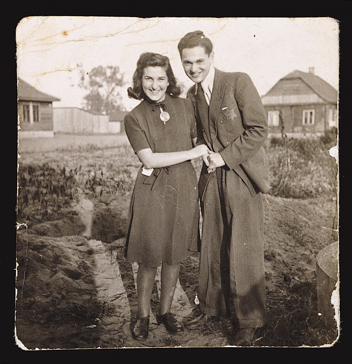 Yehudit Reiches and her boyfriend in the Kovno ghetto shortly before her eighteenth birthday.