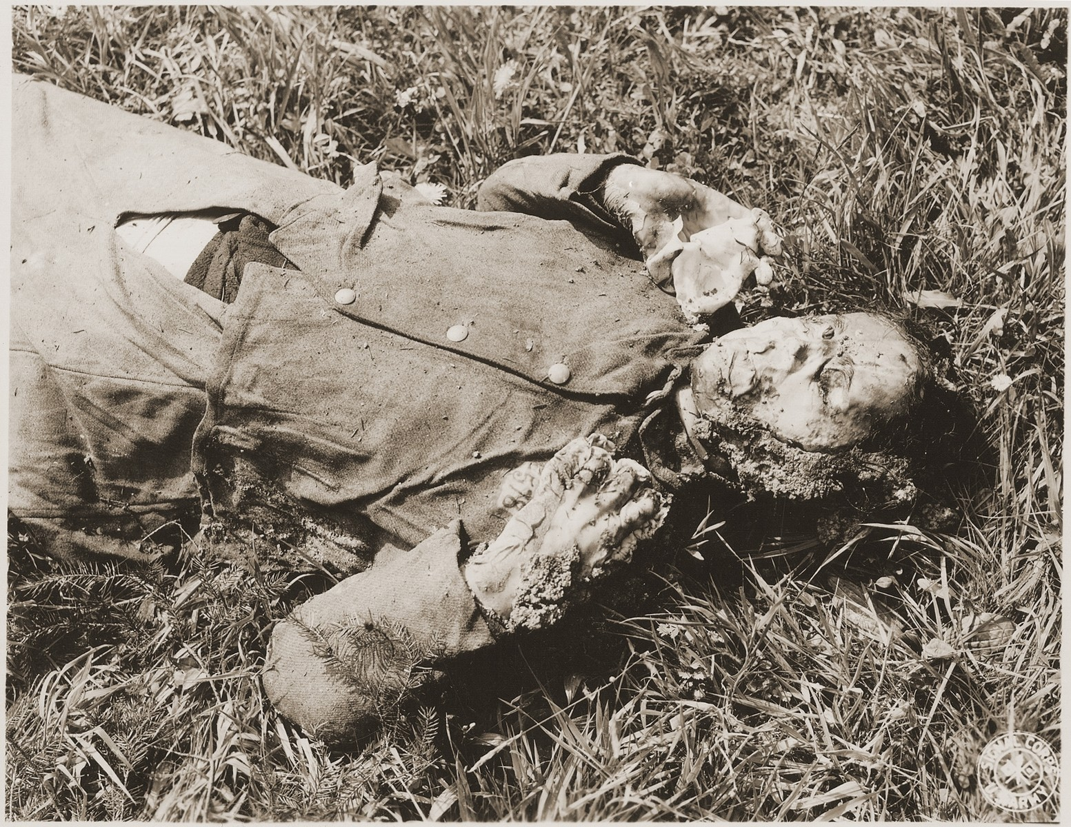 The corpse of one of the female prisoners exhumed from a mass grave near Hirzenhain.