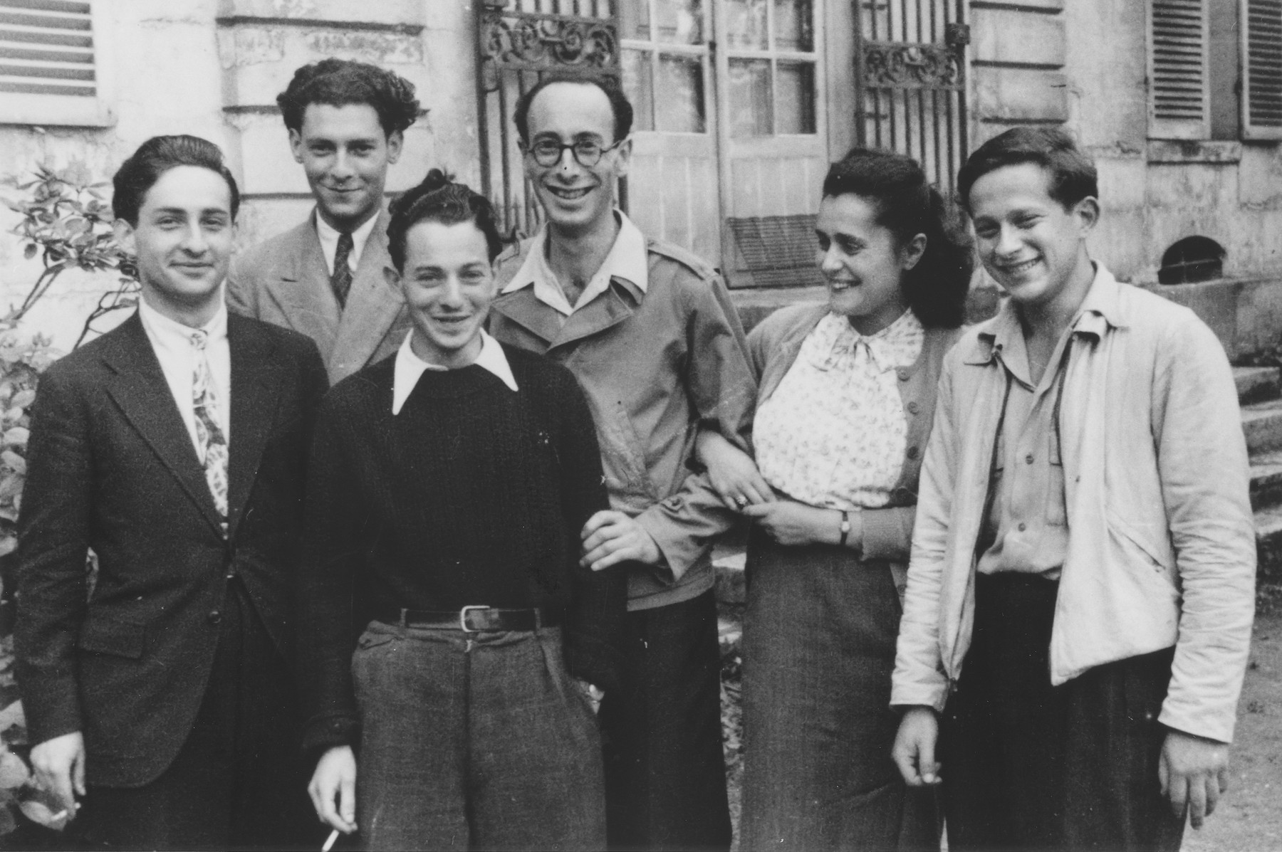 Ernst and Lida Jablonski (center), staff of the Fontenay-aux-Roses children's home, pose with some of the youth who lived there.  Pictured from left to right are Ernst Rosner, Pierre Samuel, Gerard Alexander, Ernst Jablonski, Lida Jablonski and Ossi Goldstein.