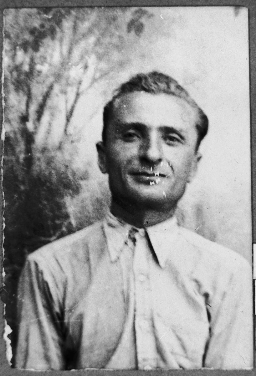Portrait of Pepo Aroesti, son of Samuel Aroesti.  He was a second-hand dealer. He lived at Ferizovatska 13 in Bitola.
