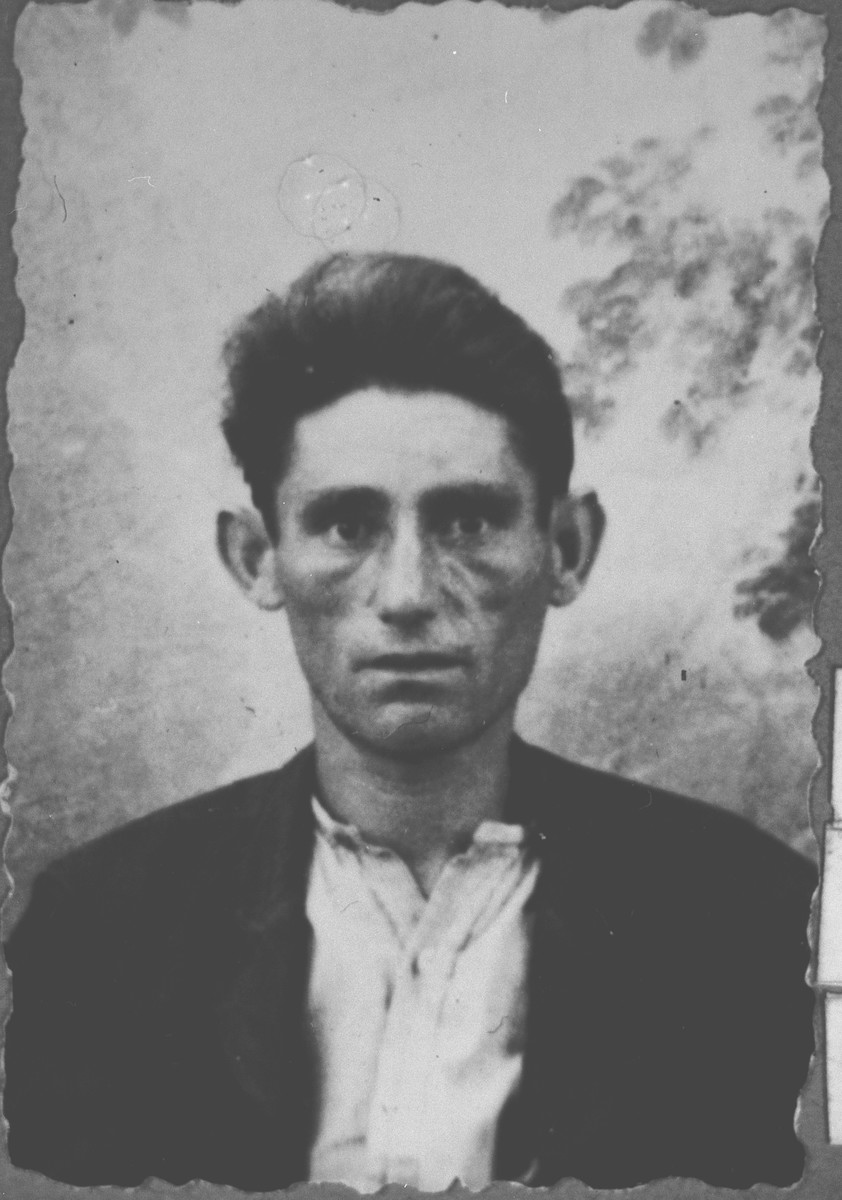 Portrait of Konorte Eschkenasi, son of Mair Eschkenasi.  He was a peddler.  He lived at Gligora 11 in Bitola.