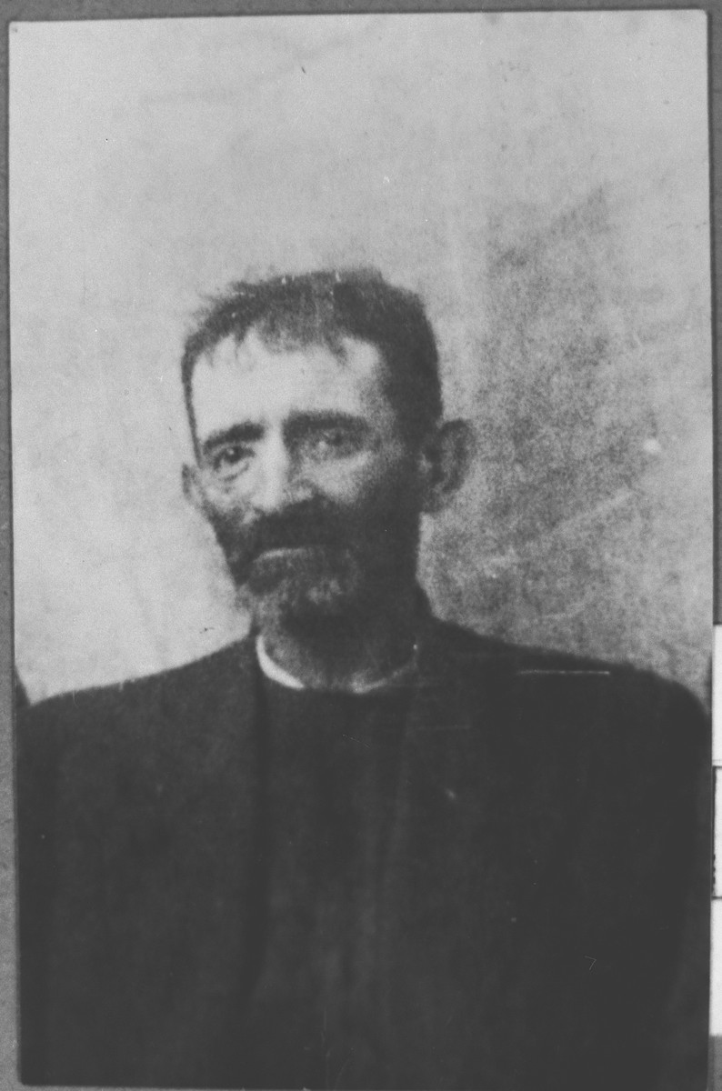 Portrait of Isak Ergas.  He was a reseller.  He lived at Zmayeva 20 in Bitola.