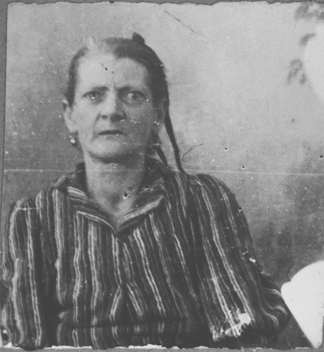Portrait of Bohora Eschkenasi, wife of Solomon Eschkenasi.  She was a laundress.  She lived at Krstitsa 15 in Bitola.