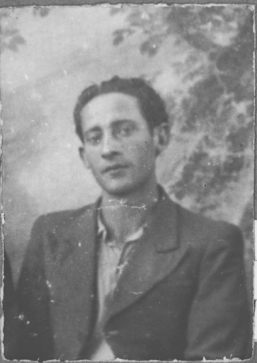 Portrait of Albert Ergas, son of Isak Ergas.  He was a student.  He lived at Zmayeva 20 in Bitola.