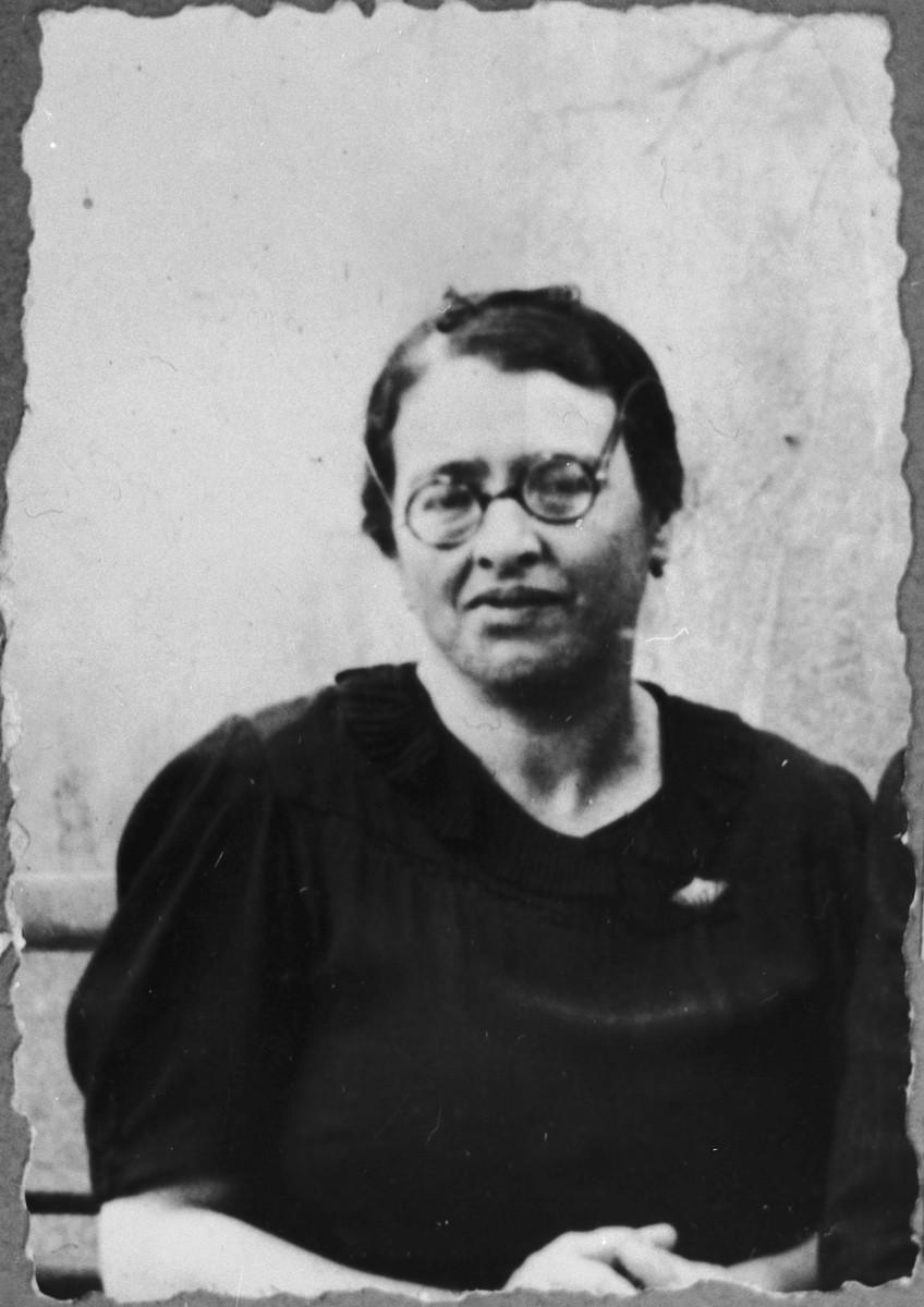 Portrait of Arnesta Assael, wife of Shabetai Assael.  She lived at Sremska 9 in Bitola.
