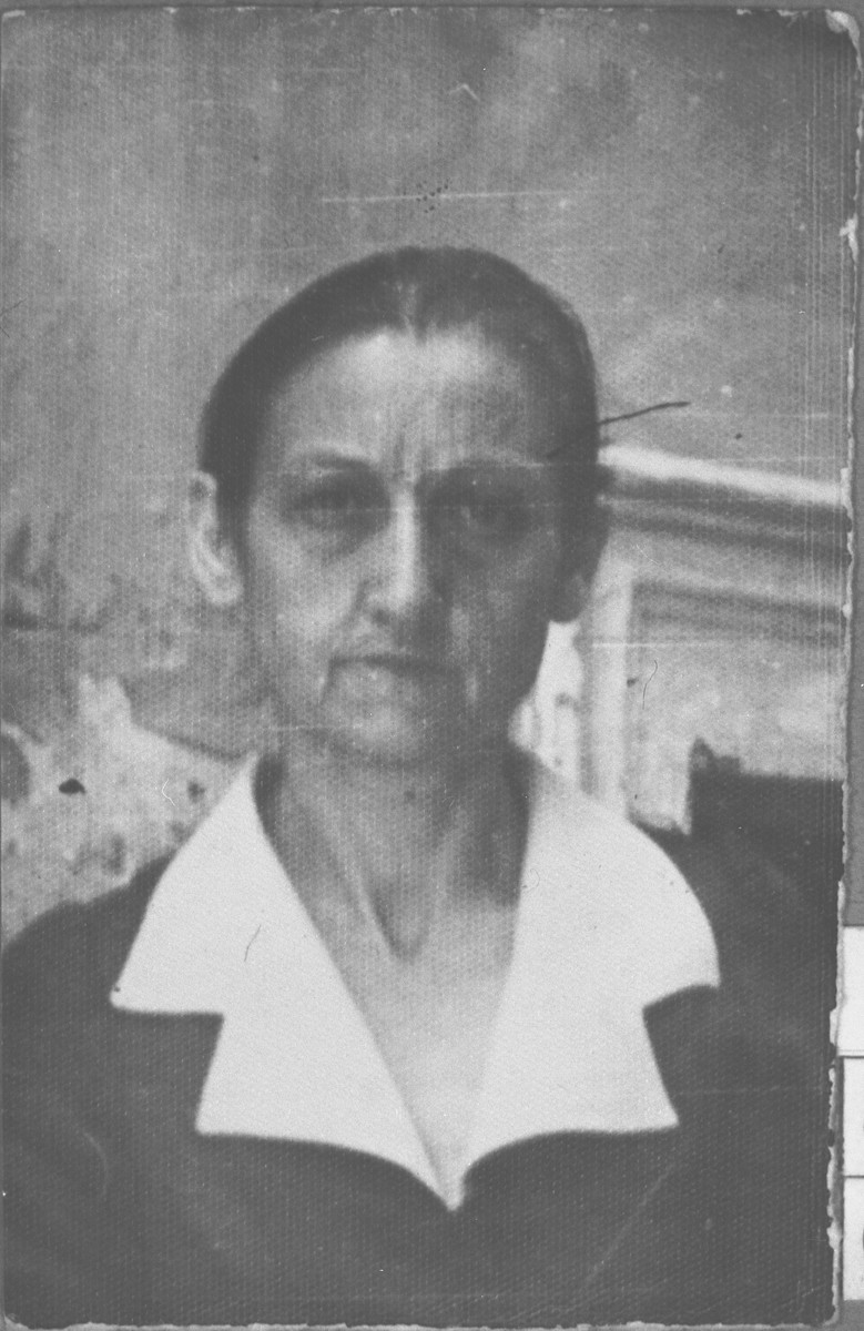 Portrait of Virginia Varsano.