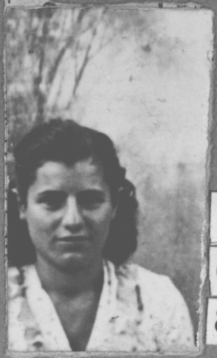 Portrait of unidentified woman.
