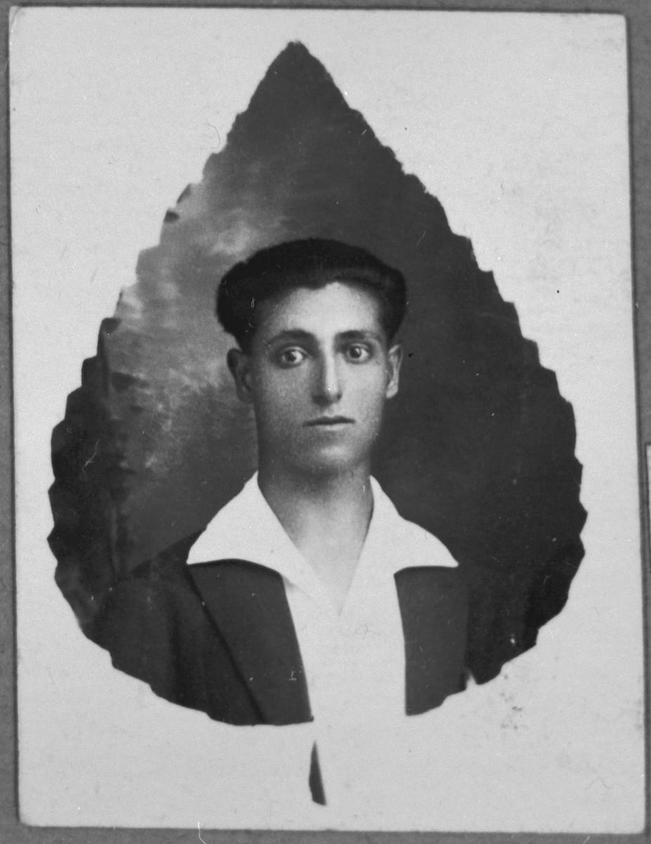 Portrait of Yakov Aruti, son of Haim Aruti.  He lived at Bistritska 7 in Bitola.