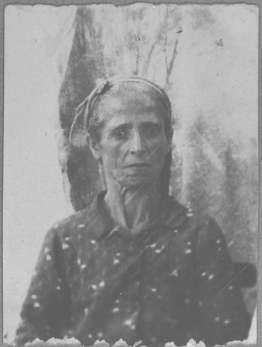 Portrait of Lia Benjakar, wife of Solomon Benjakar.  She lived at Putnika 129.