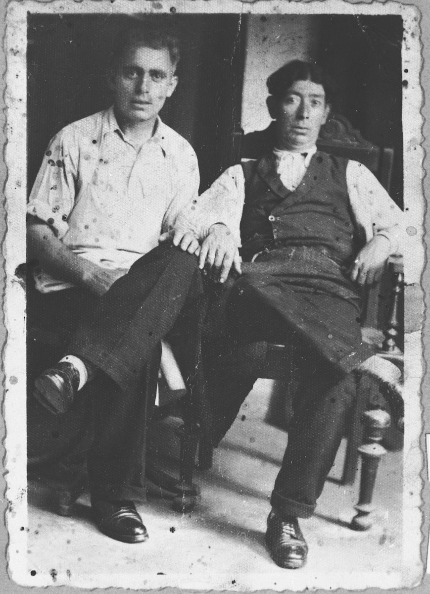 Portrait of Pepo and Maio Benjakar.
