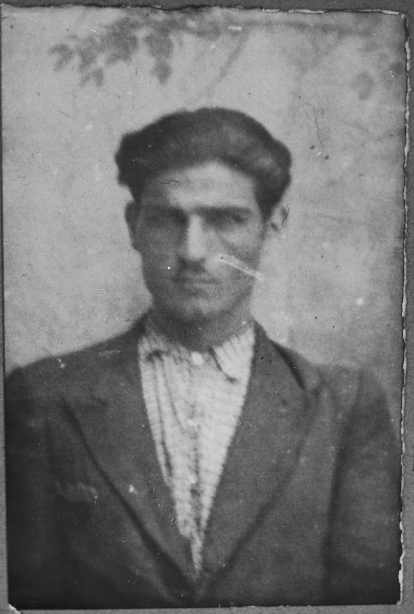 Portrait of David Baruch, son of Avram Baruch.  He was a cafe waiter.  He lived at Gligora 30 in Bitola.