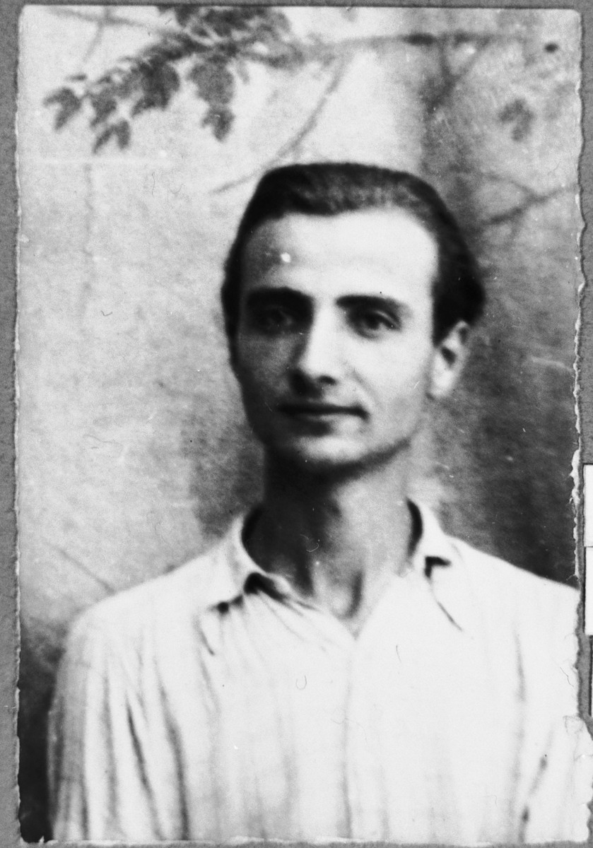 Portrait of Isak Aroesti, son of Samuel Aroesti.  Isak was a student.  He lived at Ferizovatska 13 in Bitola.