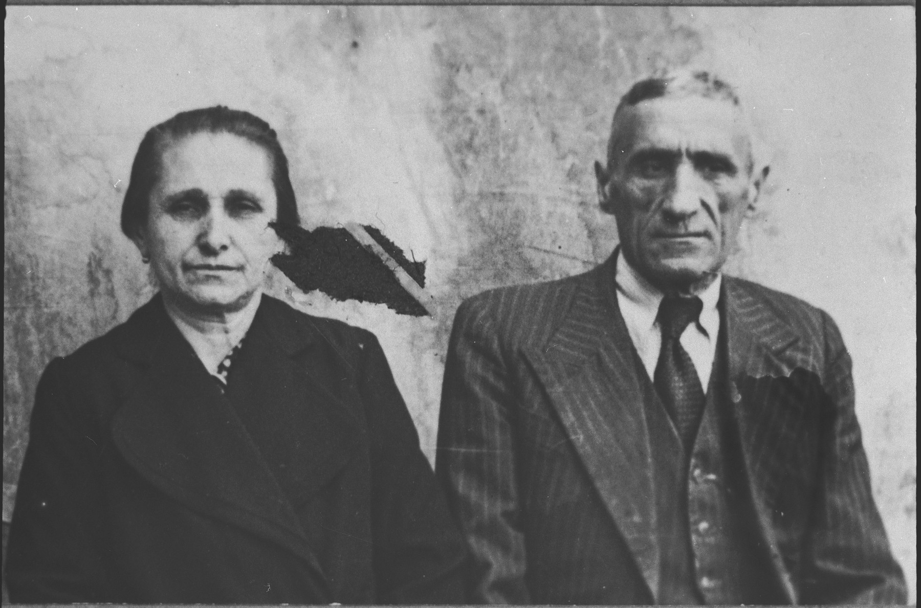 Portrait of Kutiel Ergas and his wife, Rahel.  They lived at Novatska 14 in Bitola.