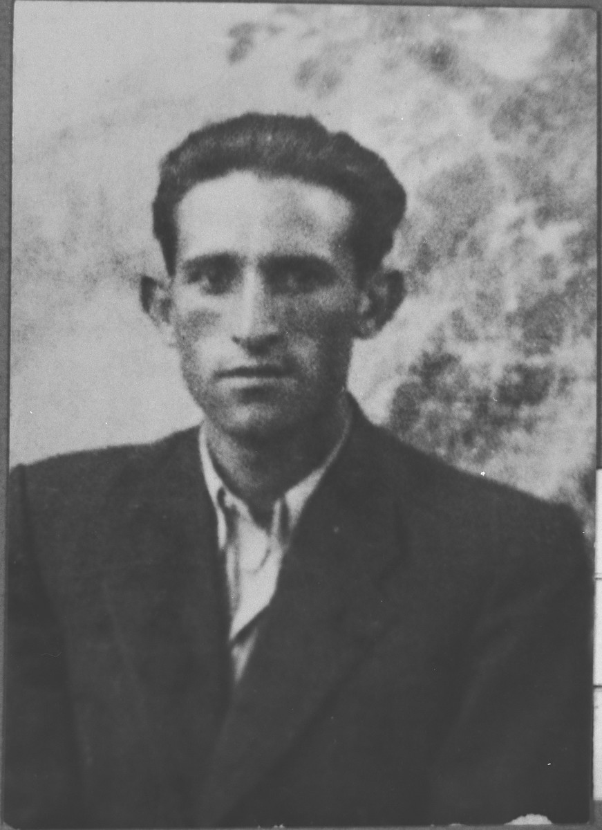Portrait of Leon Ergas, son of Isak Ergas.  He was an assistant.  He lived at Zmayeva 20 in Bitola.