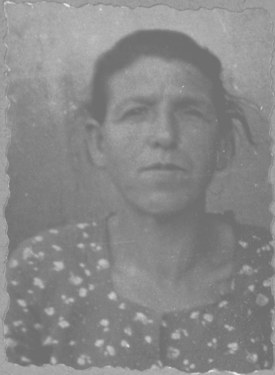 Portrait of Estreya Benjakar, wife of Shabetai Benjakar.  She lived at Kossantschitscheva 7 in Bitola.