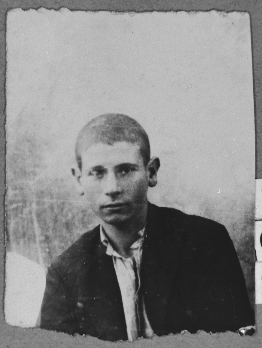 Portrait of Edy Aroesti, son of Mayo Aroesti.  He was a student.  He lived at Dr. Raisa 141 in Bitola.