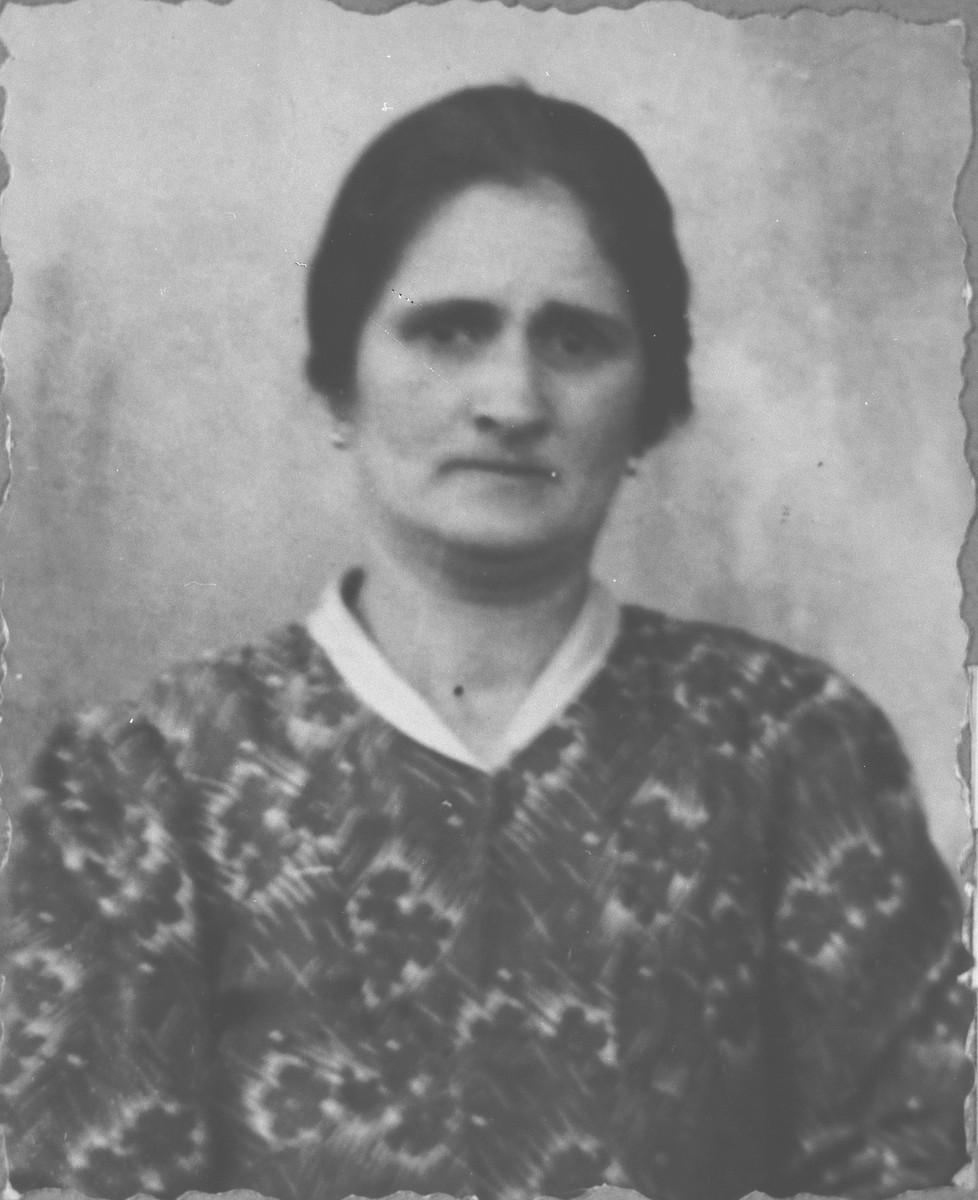 Portrait of Arnesta Ergas, [wife of Yosef Ergas].  She lived at Dalmatinska 78 in Bitola.