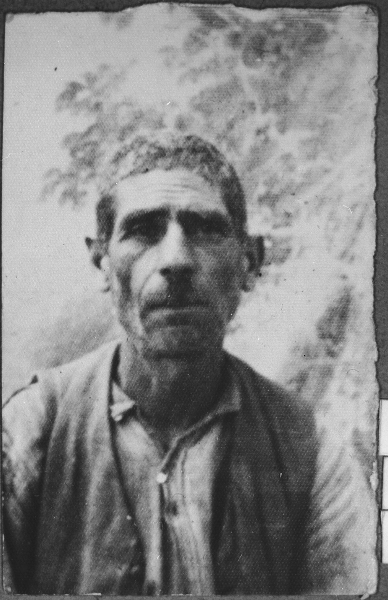 Portrait of Mordechai Benjakar.  He was a Porter.  He lived at Hertzegovatska 32 in Bitola.