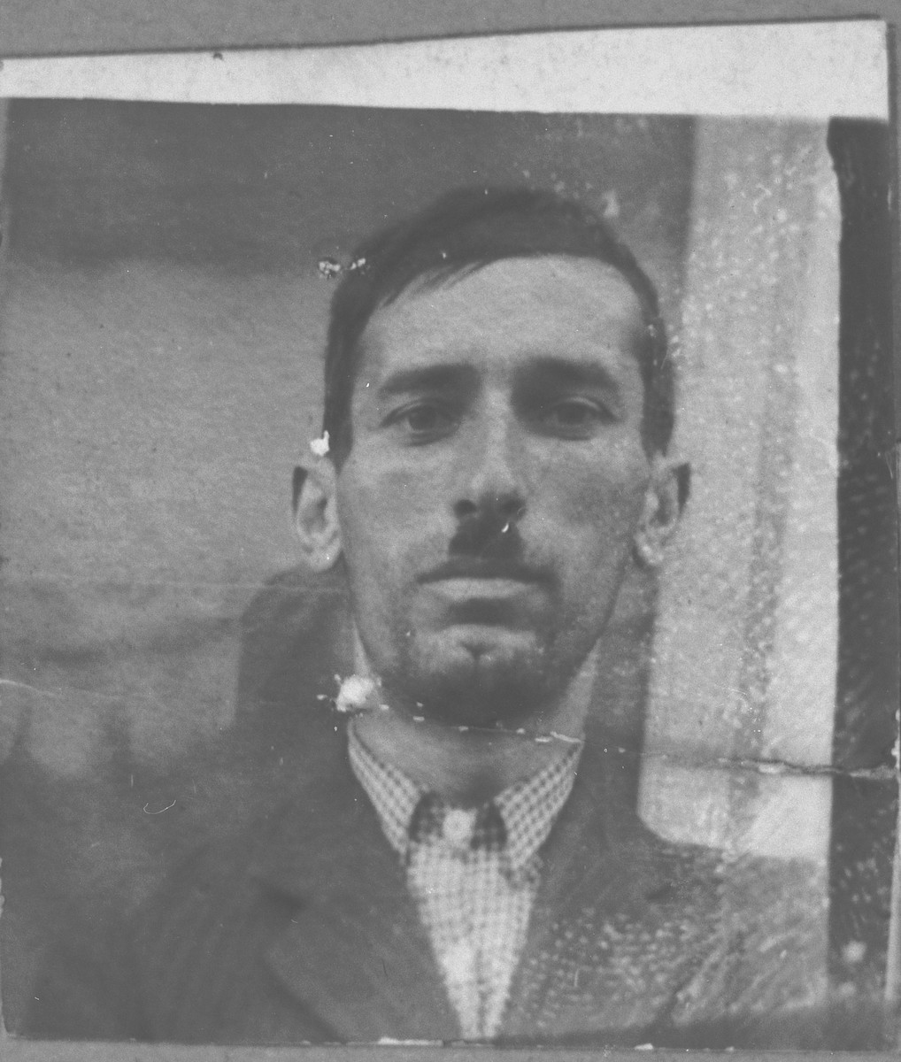 Portrait of Yosef Ergas, son of Solomon Ergas.  He was a basketweaver.  He lived at Dalmatinska 78 in Bitola.