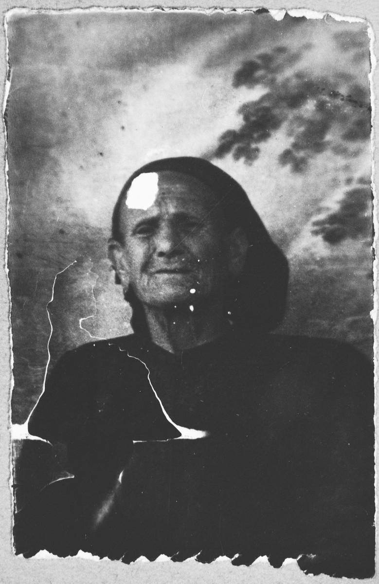 Portrait of Shuhula Aroesti.  She lived at Novatska 2 in Bitola.