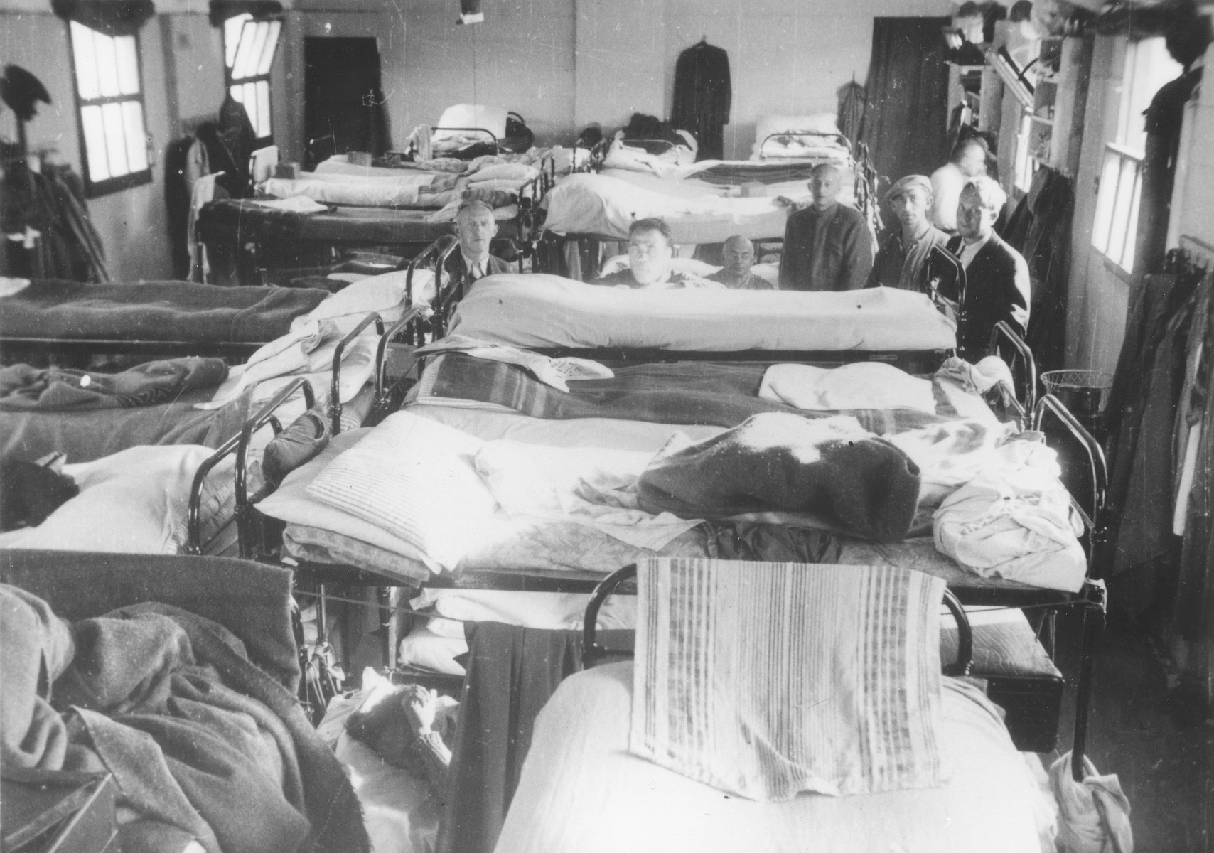 View of the interior of a crowded barracks in the Kitchener refugee camp in Richborough (Kent), England.