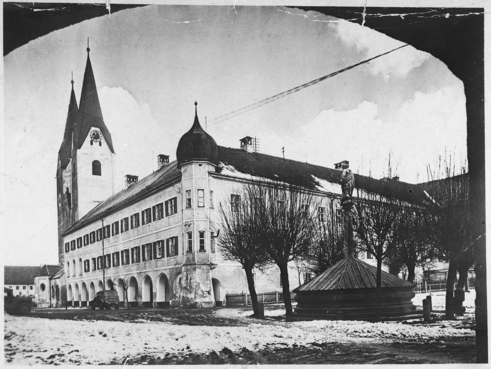 Exterior view of the Kloster Indersdorf children's home.