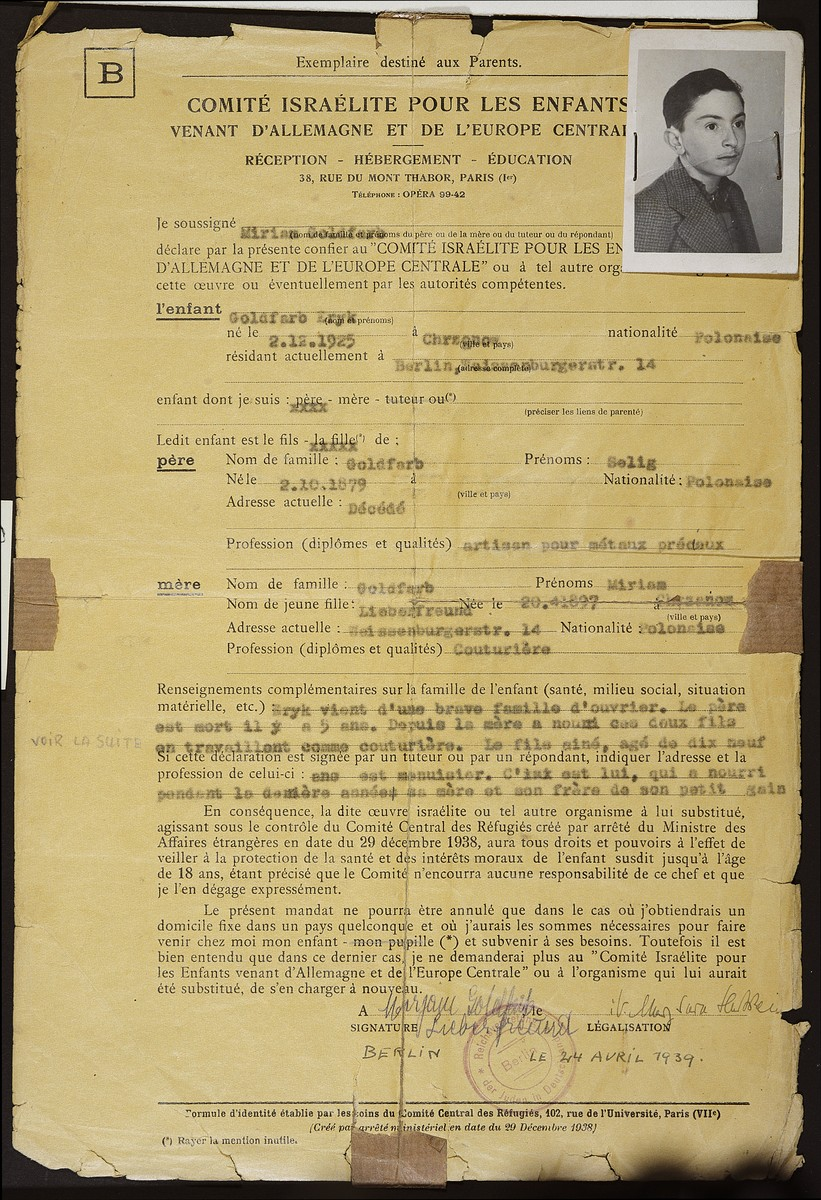 Document signed by Miriam Goldfarb, a Jewish mother, granting the Comite Israelite Pour les Enfants venant d'Allemagne et de l'Europe central (Jewish Committee for children from Germany and central Europe) power of attorney over her son Eryk prior to his leaving Germany for France.