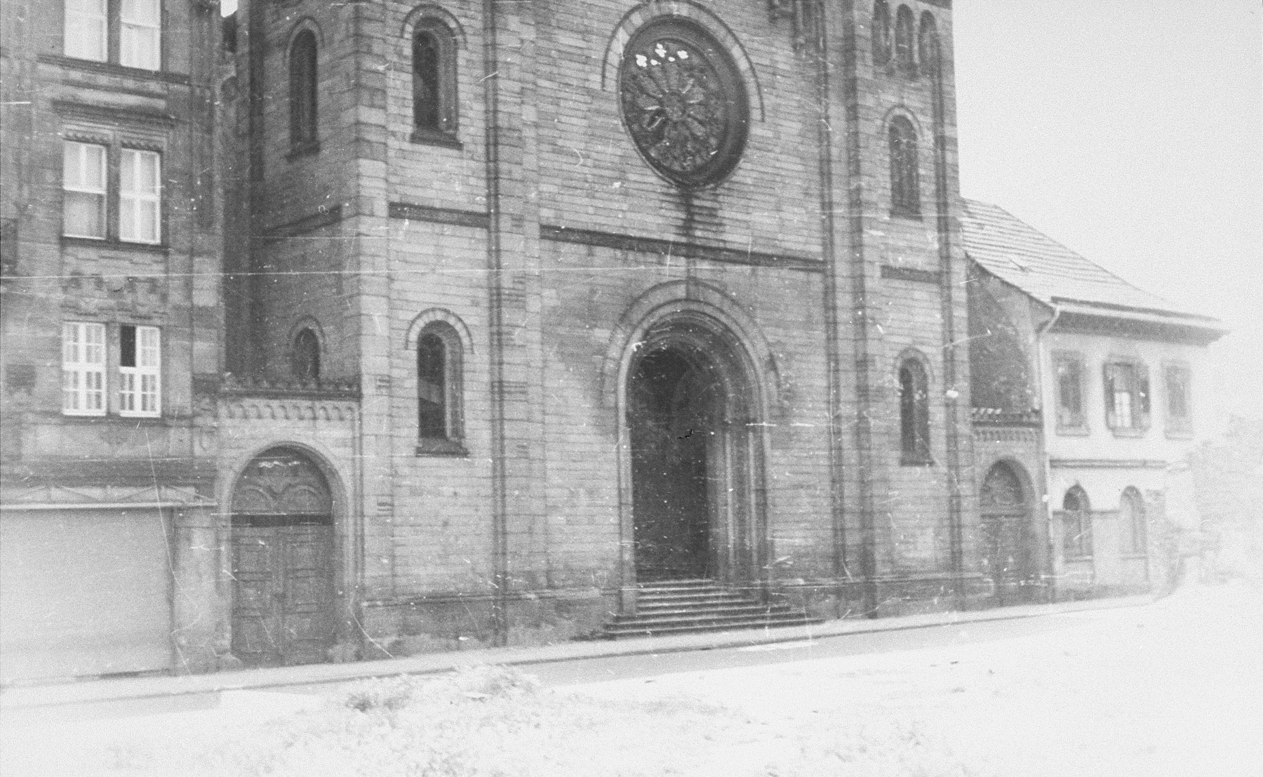 Exterior of the Mannheim synagogue after its destruction on Kristallnacht.