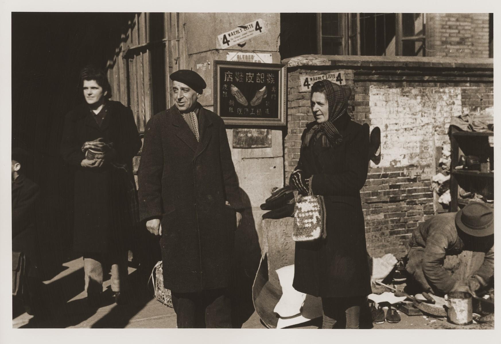 Austrian Jewish refugees Camilla Goldstaub and Berta Fiedler on Tongshan Road.