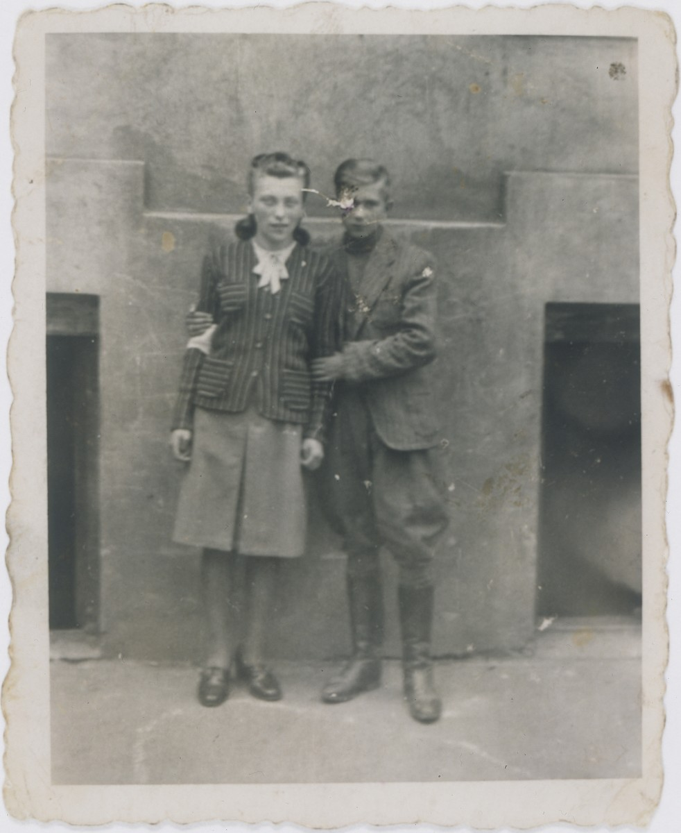 Jan Kostanski poses with his future wife, Necha Wierzbicka, in the Warsaw ghetto.