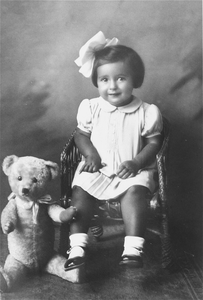 Portrait of Agnes Muller as a child in Sered, Czechoslovakia.  Agnes was the daughter of Lajos Muller, the donor's brother-in-law, whose family emigrated to Canada with Magda and Nandor in 1939.