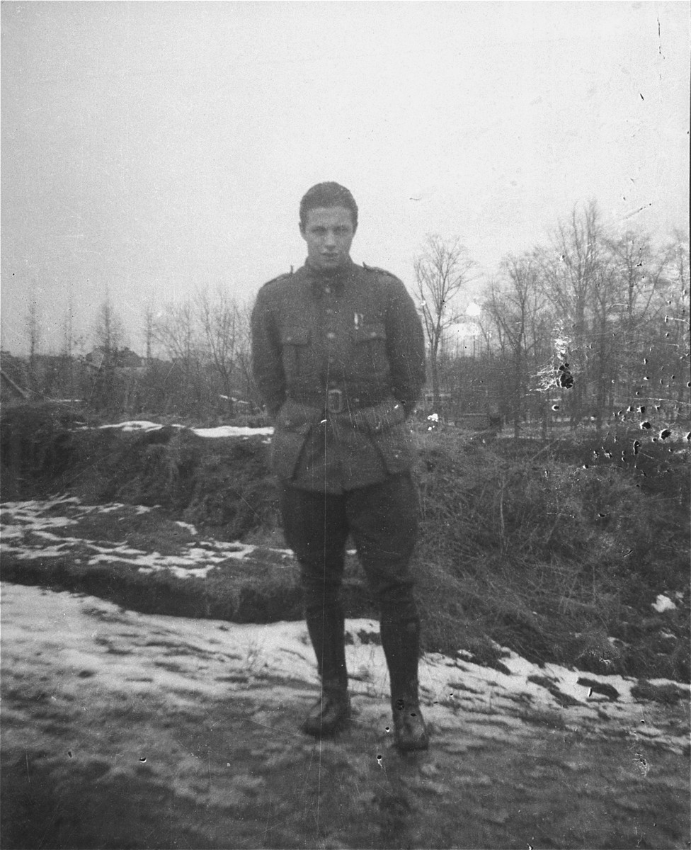 Portrait of a Jewish soldier in the Belgian army.  Pictured is Willem Friedman.