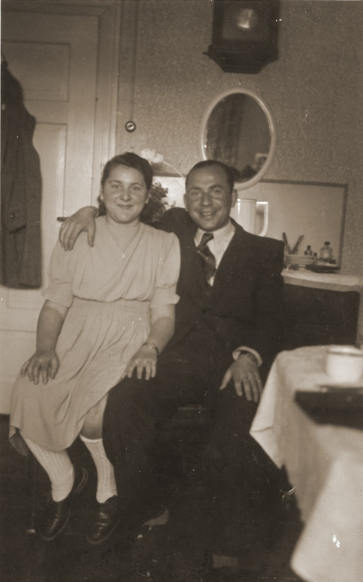 Fajgl Fiszel poses with her brother, Motek, after their reunion in the Bergen-Belsen displaced persons camp.
