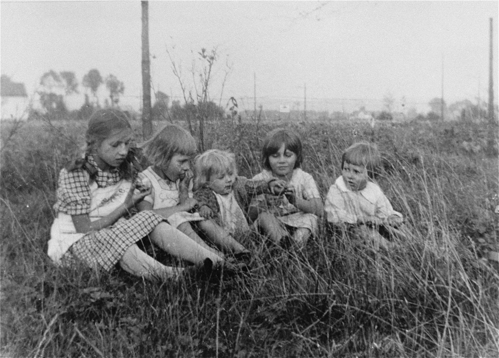 The Kusserow family children with friends in Bad Lippspringe.