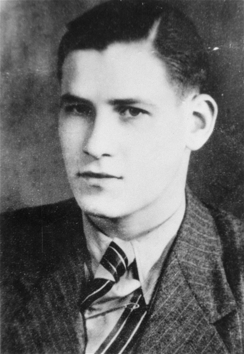 Wolfgang Kusserow, a Jehovah's Witness who was arrested and executed for refusing to serve in the German military.  Kusserow was executed by guillotine on 28 March 28 1942 in the Berlin-Moabit prison.
