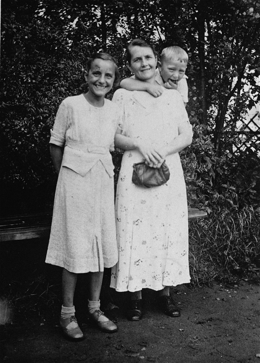 Helene Gotthold with her children Gerd and Gisela. Gotthold was a Jehovah's Witness arrested for her anti-Nazi views.  She was convicted, condemned to death, and beheaded in the Ploetzensee prison on 8 December 1944.  Her children Gerd and Gisela survived the war.